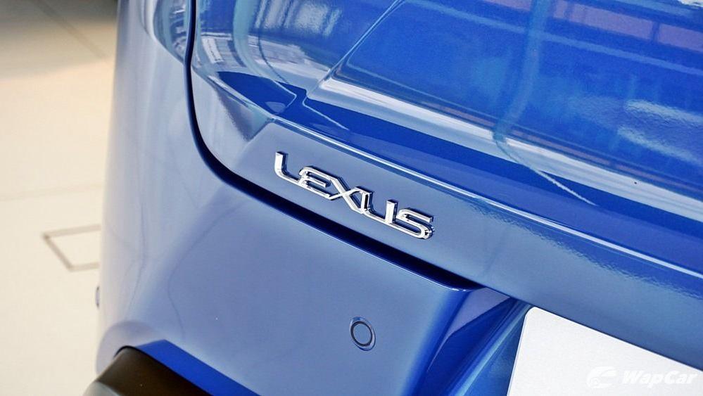 2020 Lexus UX 200 Luxury Exterior 051