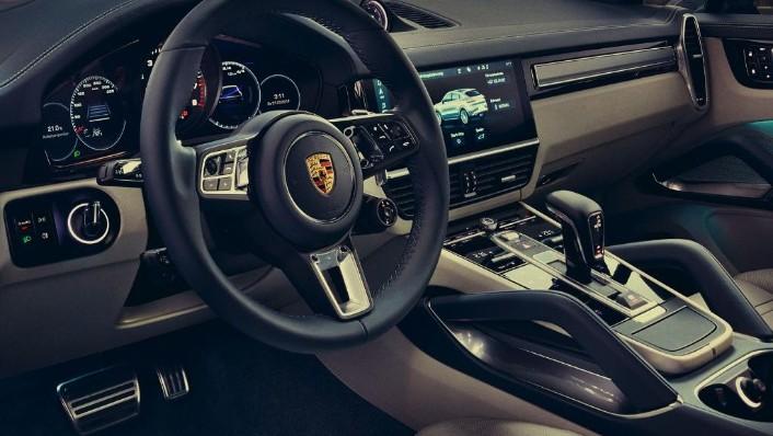 Porsche Cayenne Coupé (2019) Interior 004