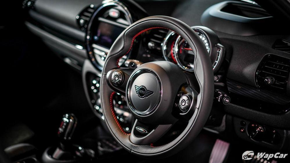2019 MINI JCW Clubman Interior 001