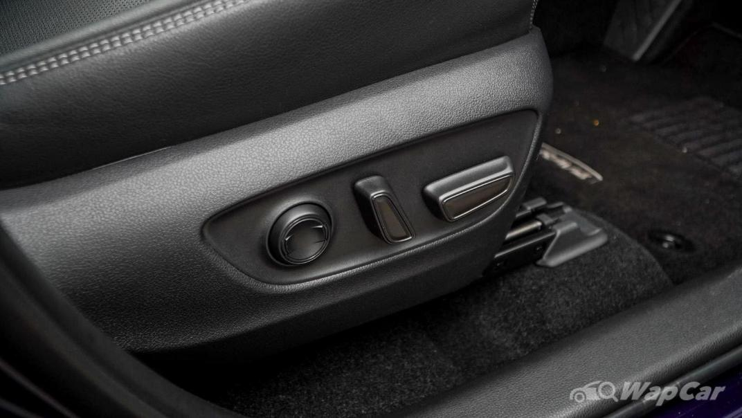 2020 Toyota RAV4 2.5L Interior 143