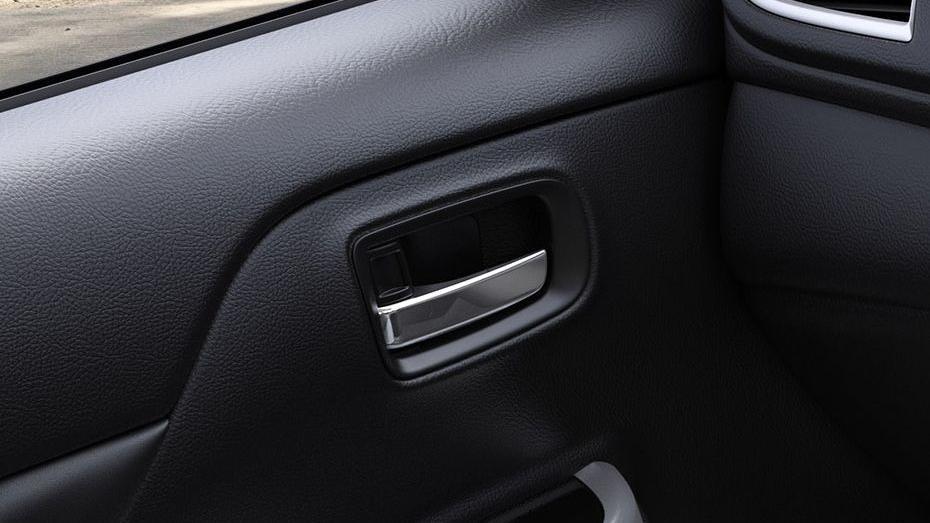 Mitsubishi Triton (2019) Interior 011