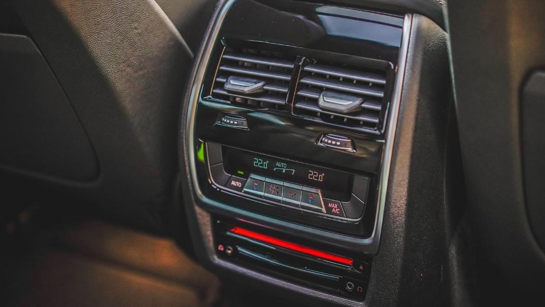 2020 BMW X6 xDrive40i M Sport Interior 011