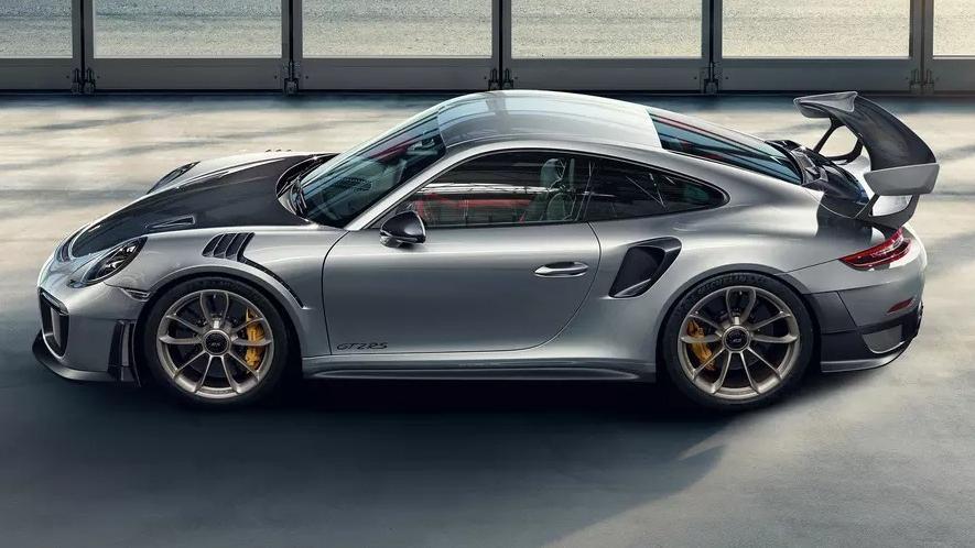 2019 Porsche 911 GT2 RS Exterior 008