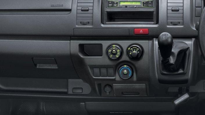 Toyota Hiace (2018) Interior 004
