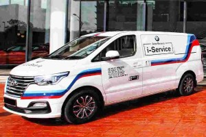 Auto Bavaria will send a Hyundai with M livery to service your BMW