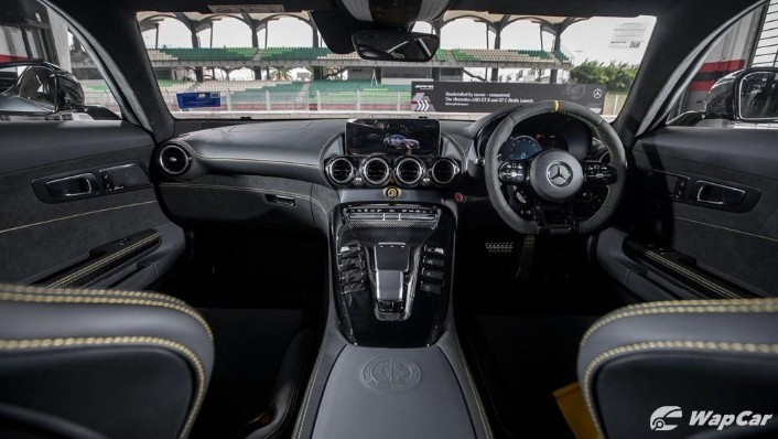 2019 Mercedes-Benz AMG GT R Interior 001