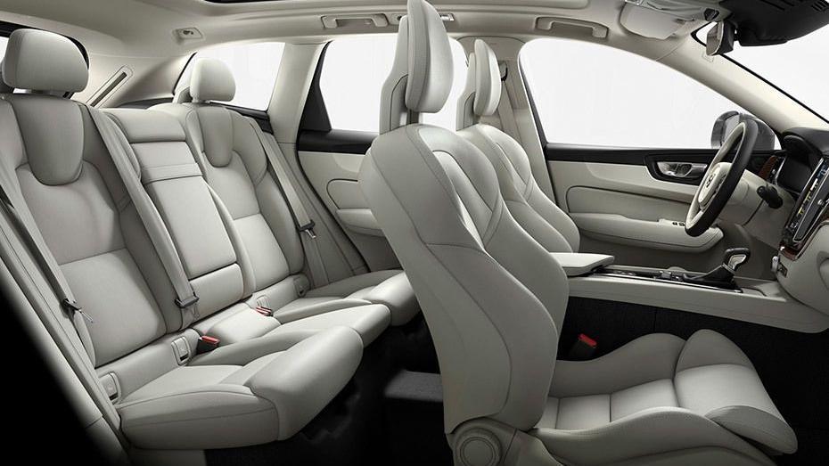 Volvo XC60 (2018) Interior 017