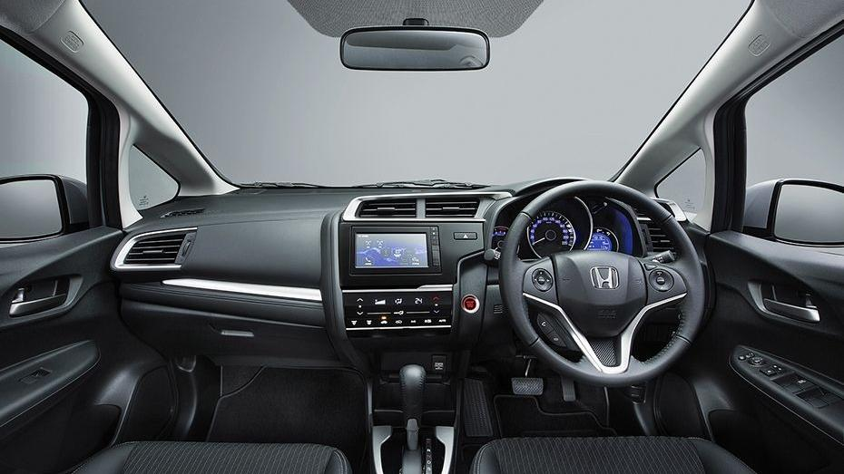 Honda Jazz (2018) Interior 001