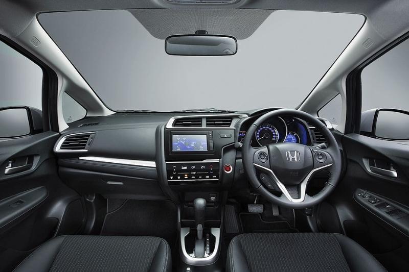 Honda Jazz 1.5L: light and fast 02