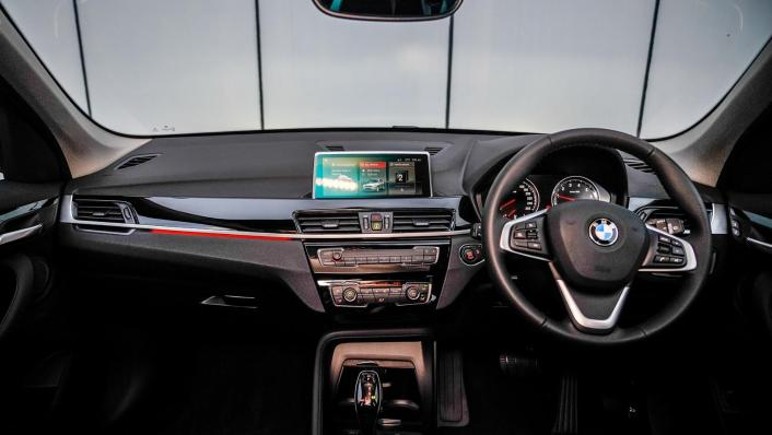 2020 BMW X1 sDrive18i Interior 001