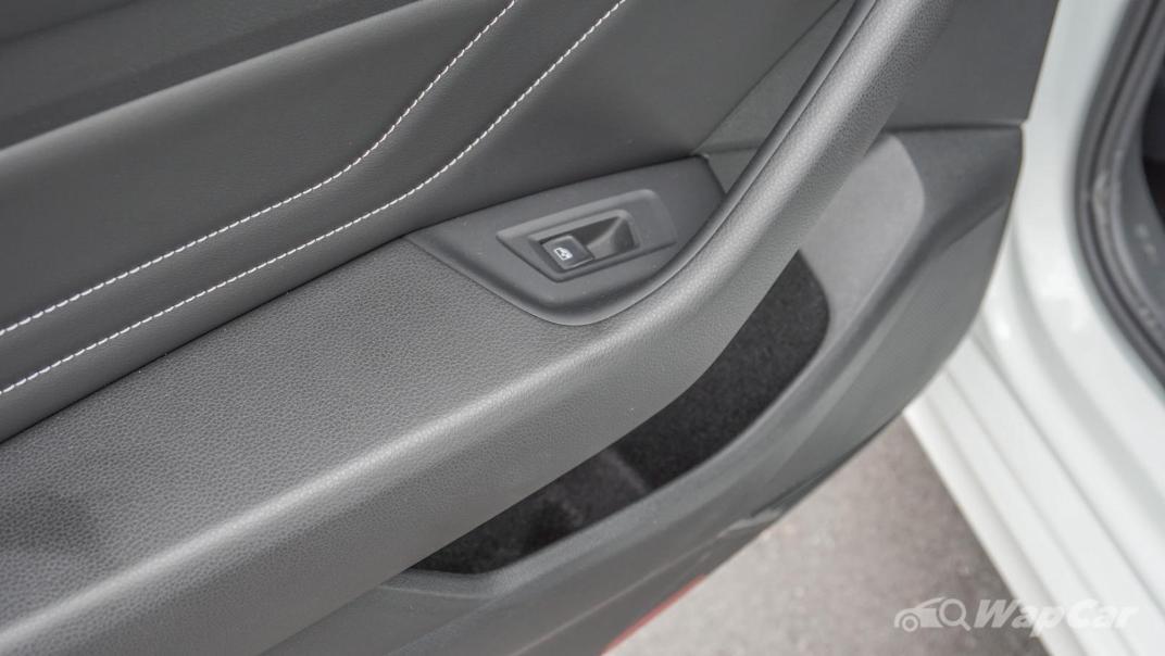 2020 Volkswagen Passat 2.0TSI R-Line Interior 023