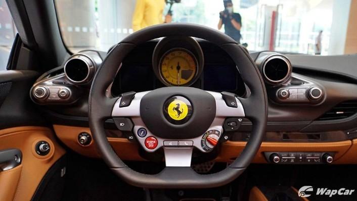 2020 Ferrari F8 Spider  Interior 005