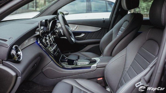 2020 Mercedes-Benz GLC 300 4MATIC Coupé Interior 006