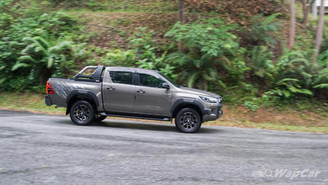 2020 Toyota Hilux Double Cab 2.8 Rogue AT 4X4 Exterior 097