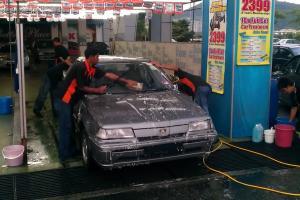 'Curi' basuh kereta ketika PKP, pengusaha kedai cuci kereta kini lega boleh beroperasi