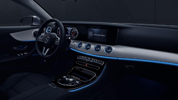 Mercedes-Benz E-Class Coupe (2018) Interior 004