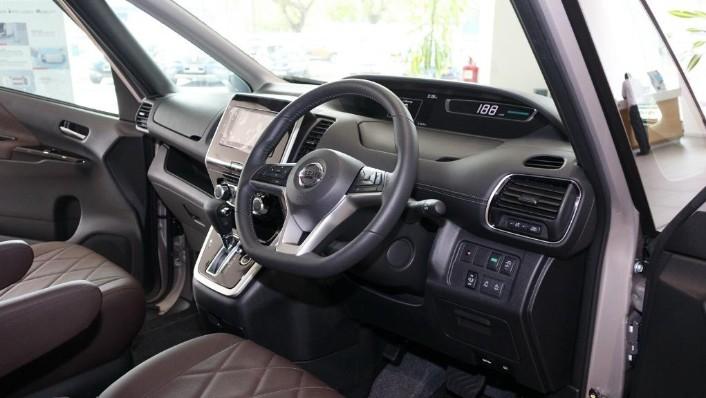 2018 Nissan Serena S-Hybrid Highway Star 2.0 Interior 002
