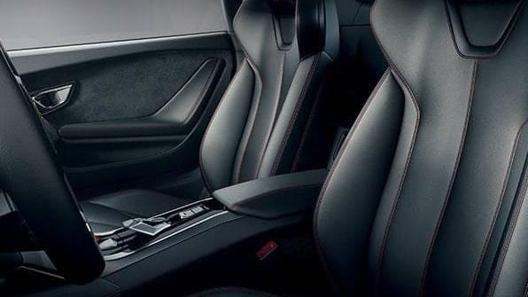 Lamborghini Huracán (2017) Interior 006