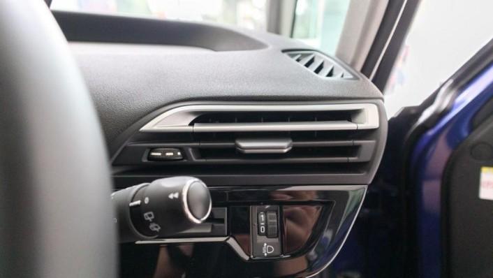 2019 Citroën Grand C4 SpaceTourer Interior 010