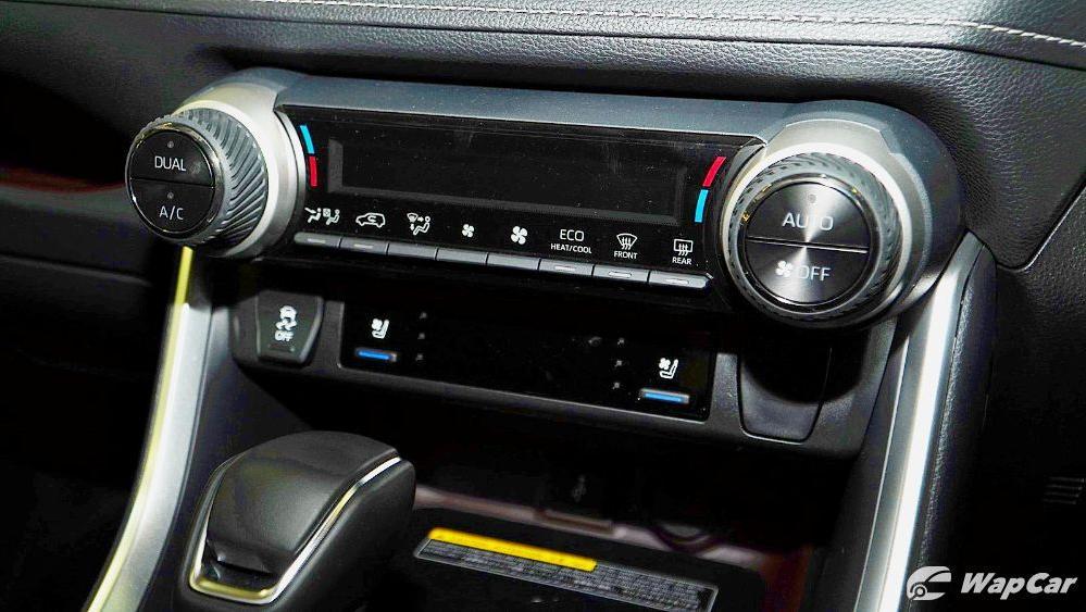 2020 Toyota RAV4 2.5L Interior 064
