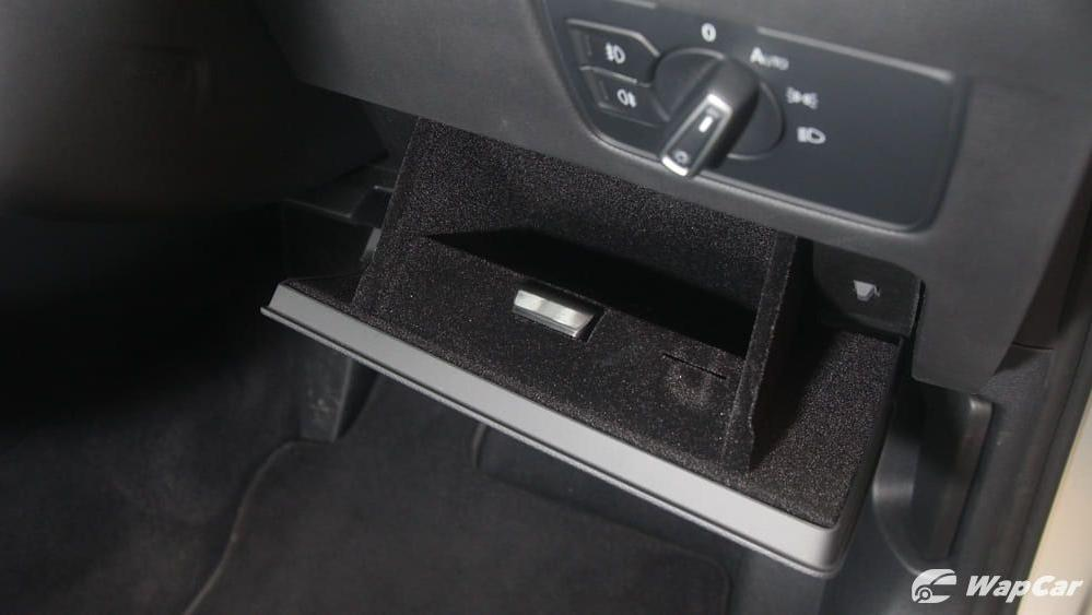 2018 Volkswagen Passat 2.0 TSI Highline Interior 026