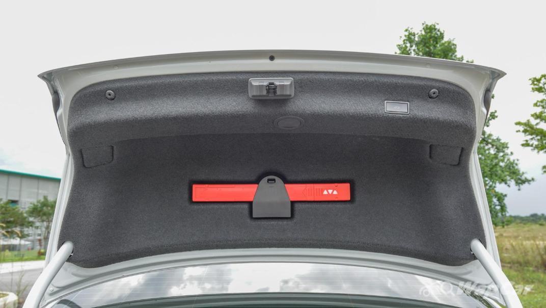 2020 Volkswagen Passat 2.0TSI R-Line Interior 024