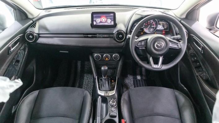 2018 Mazda 2 Hatchback 1.5 Hatchback GVC with LED Lamp Interior 001