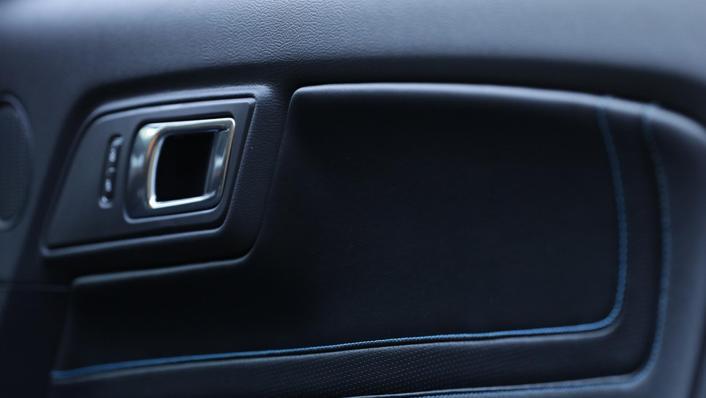 Ford Mustang (2018) Interior 010