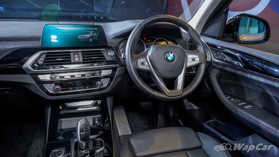 2021 BMW X3 sDrive20i Interior 003