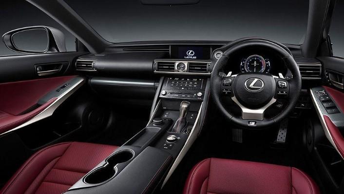 Lexus IS (2018) Interior 001