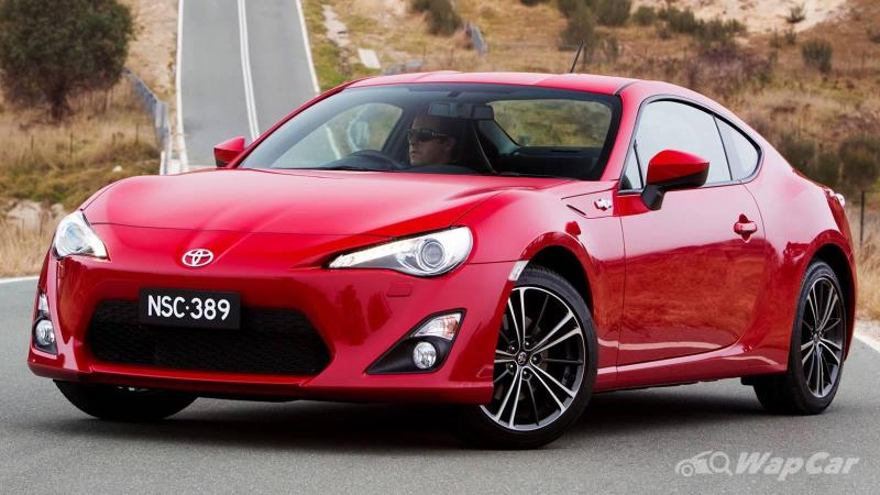 Why were the Toyota 86 and Subaru BRZ discontinued before its replacement was named? 02