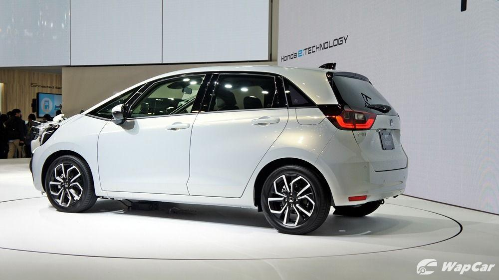 The all-new 2020 Honda Jazz hybrid doesn't have a gearbox, no gearbox problems ever! 01