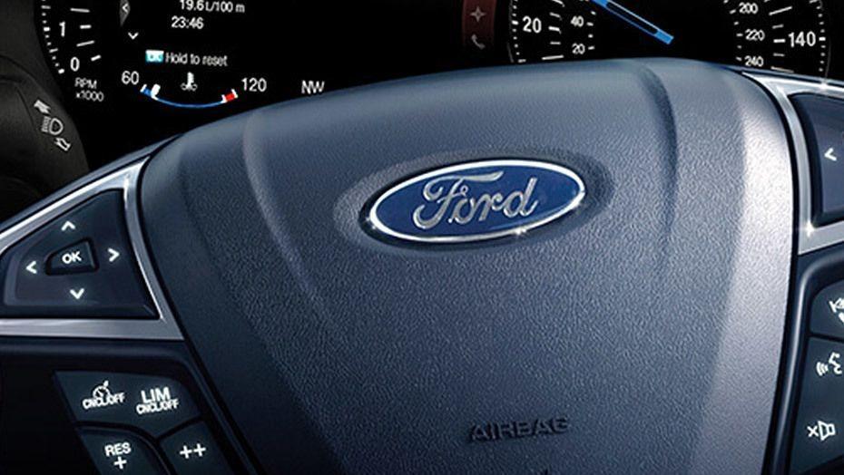 Ford S-MAX (2017) Interior 002