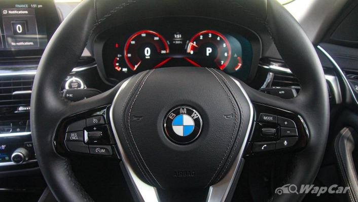 2019 BMW 5 Series 520i Luxury Interior 004