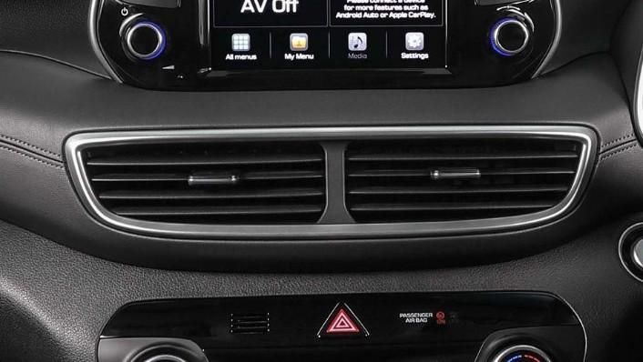Hyundai Tucson (2018) Interior 008