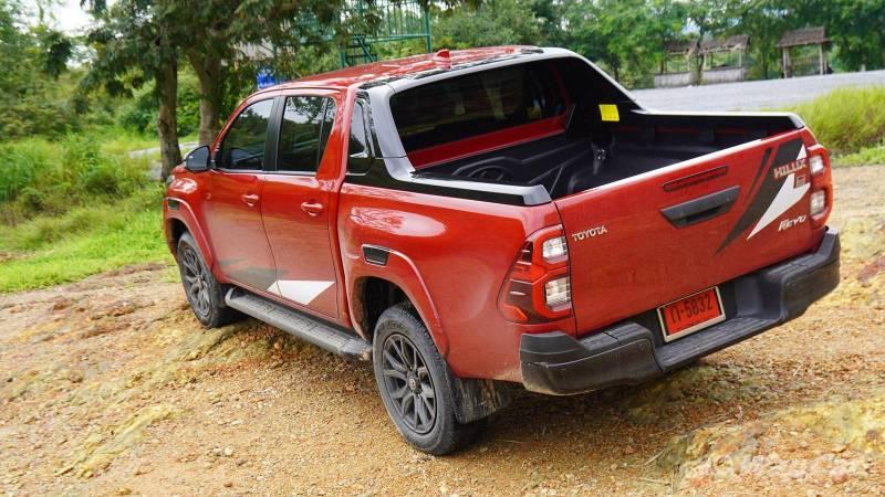 Closer look: Thailand's 2021 Toyota Hilux GR Sport 02
