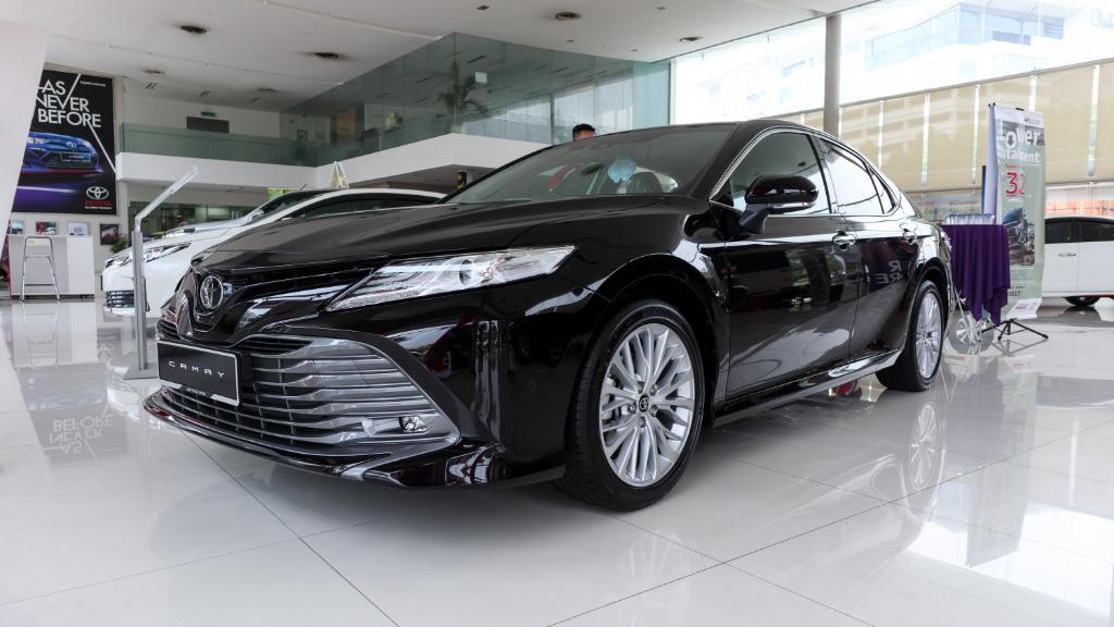 2019 Toyota Camry 2.5V Exterior 001