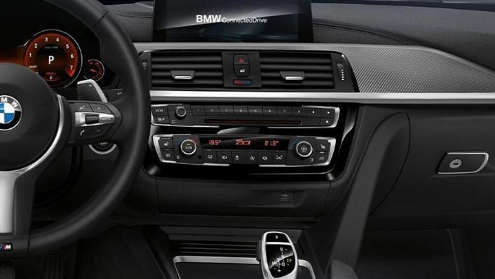 BMW 4 Series Coupe (2019) Interior 003