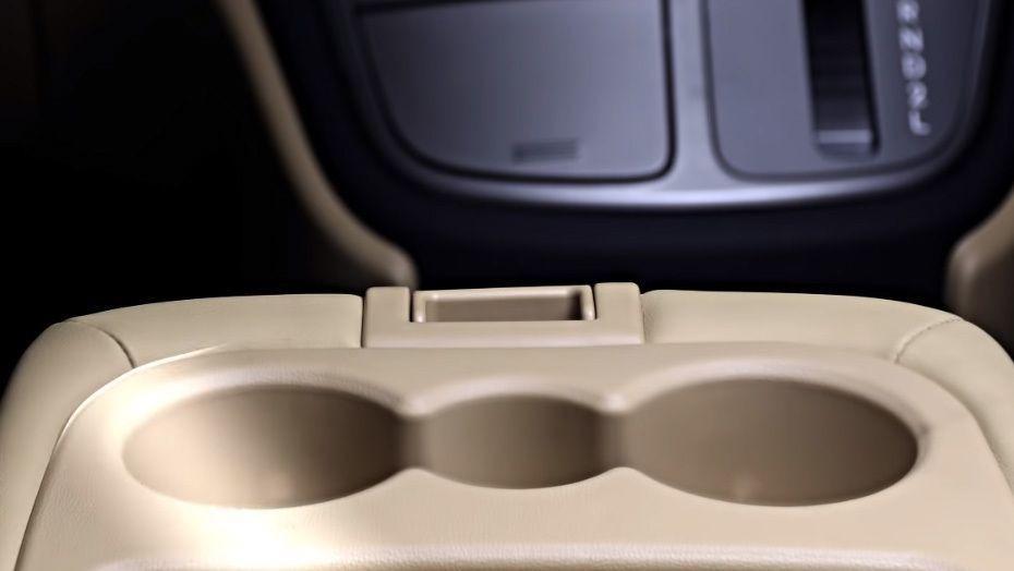 Hyundai Grand Starex (2018) Interior 003