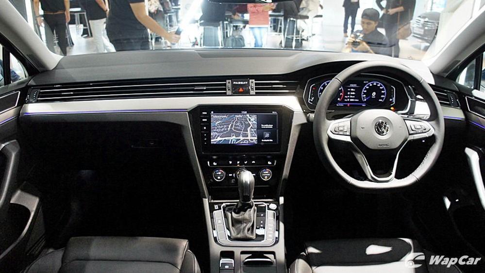 2020 Volkswagen Passat 2.0TSI Elegance Interior 087