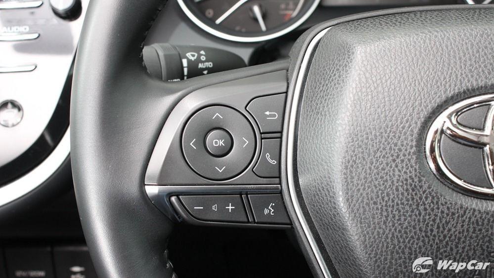 2019 Toyota Camry 2.5V Interior 044