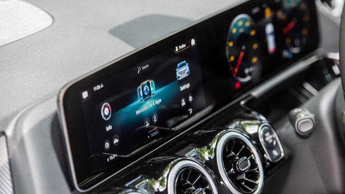 2021 Mercedes-Benz GLA 200 Interior 007