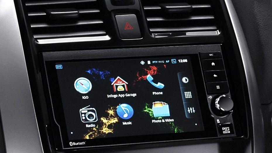 Nissan Almera (2018) Interior 003