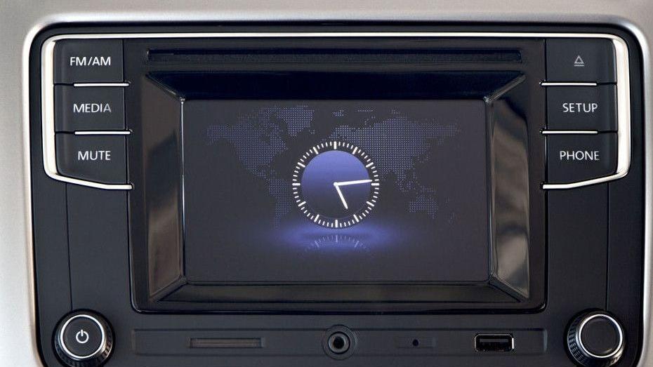 Volkswagen Polo (2018) Interior 005