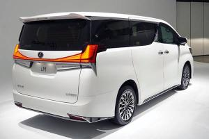 Closer Look: The Lexus LM 350, when the Alphard is just another poor-man's car