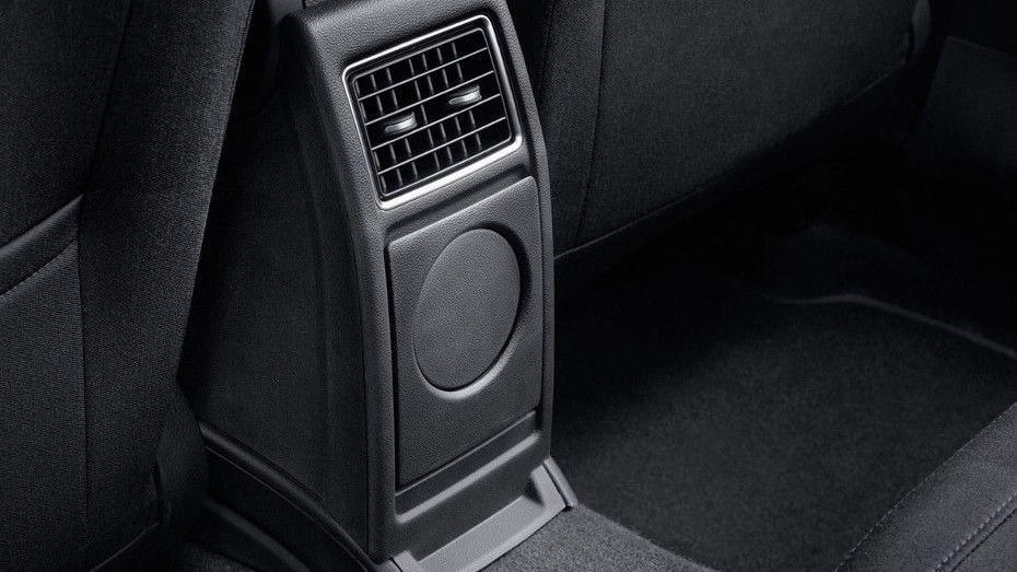Volkswagen Polo (2018) Interior 011