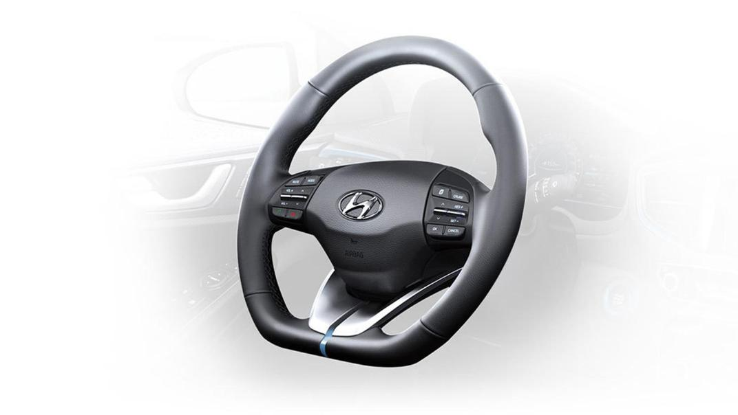 Hyundai Ioniq (2018) Interior 013