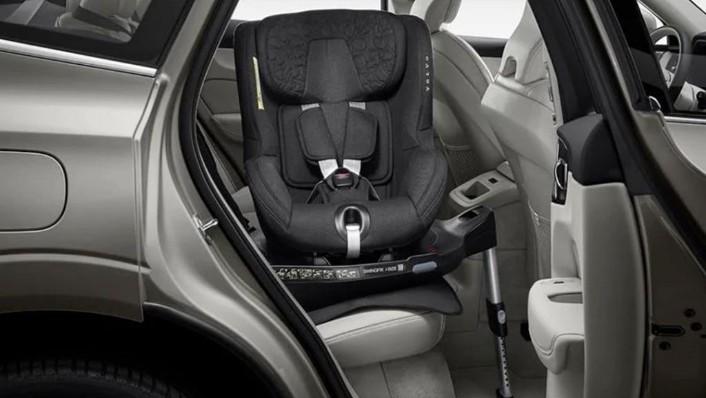 Volvo V40 (2018) Interior 009