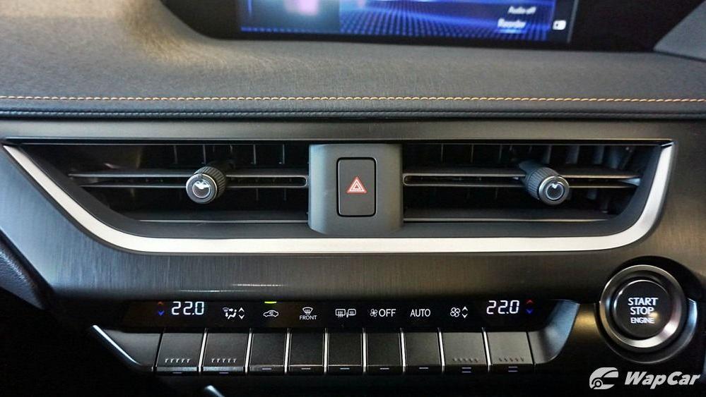 2020 Lexus UX 200 Luxury Interior 020