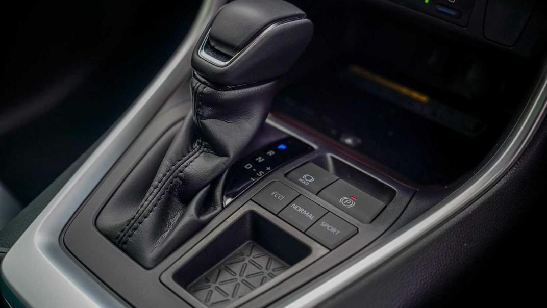 2020 Toyota RAV4 2.5L Interior 011